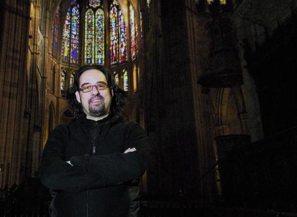 IGOR ESCUDERO: COMPOSITOR Y DIRECTOR